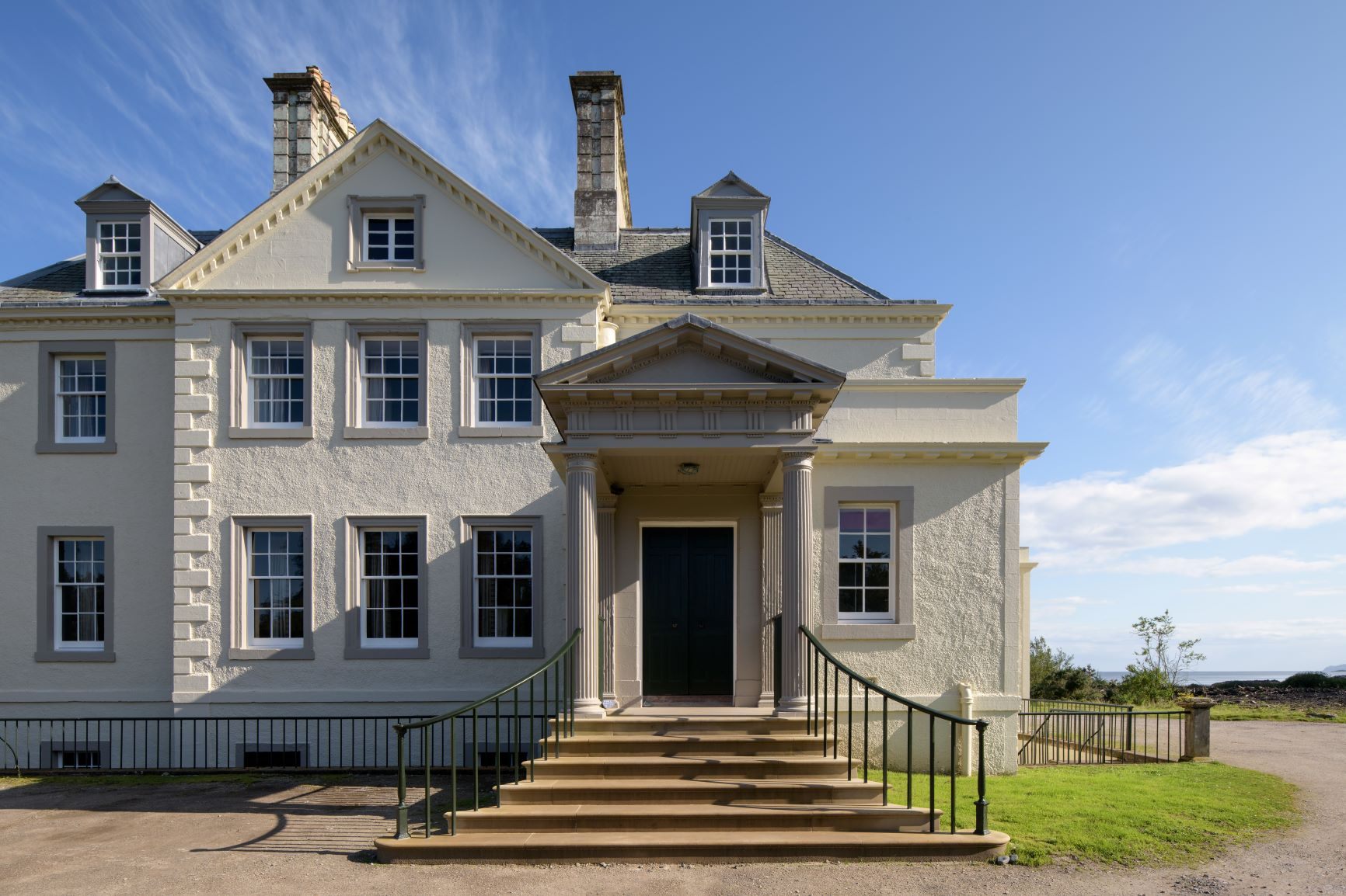 THE LANDMARK TRUST REVIVE SADDELL HOUSE WITH CRAIG & ROSE PAINTS